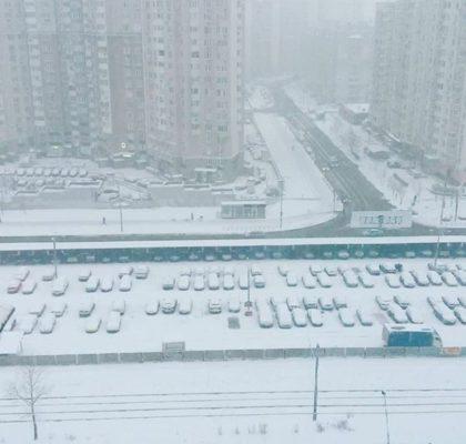 Снежный Киев весной