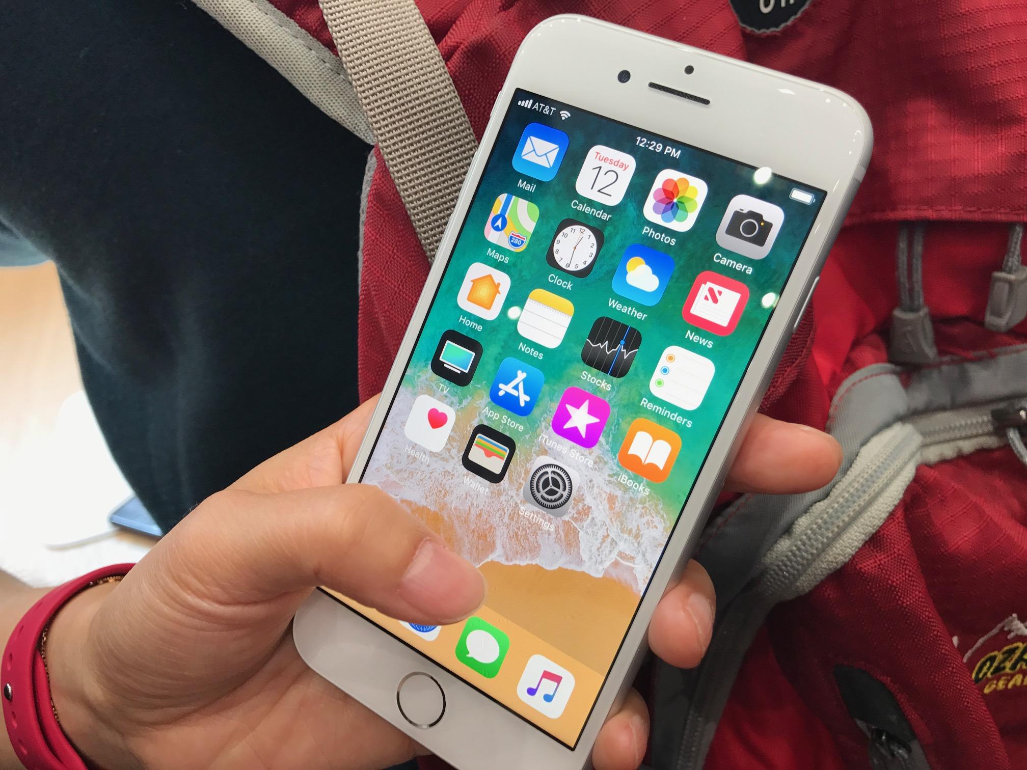 не работает экран iphone8