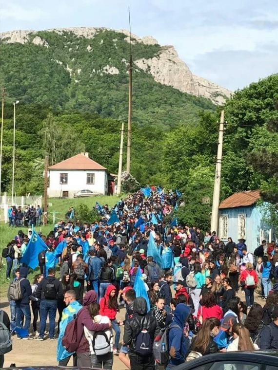 Сходження на гору Чатир-Даг кримськми татарами